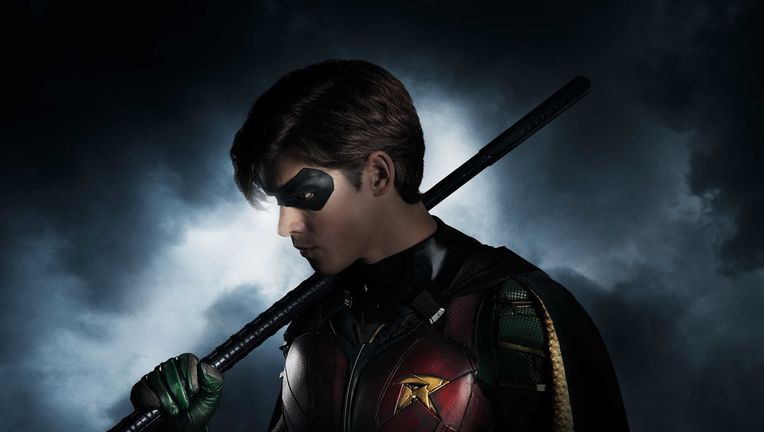 titans_robin_first-look_final.jpg