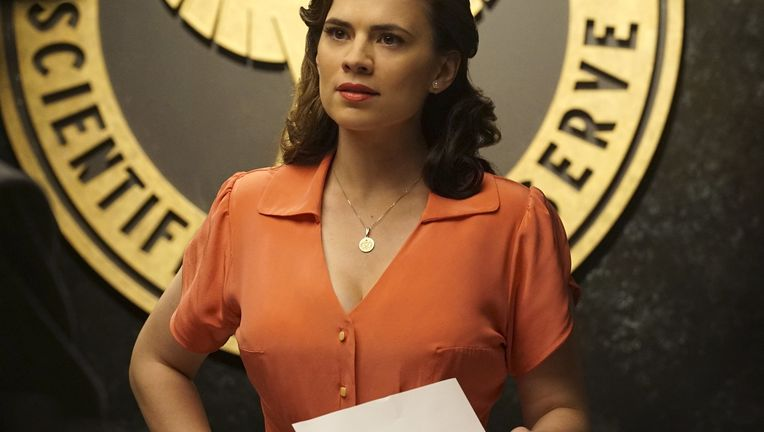 Agent-Carter-Peggy-Atwell-204.jpg