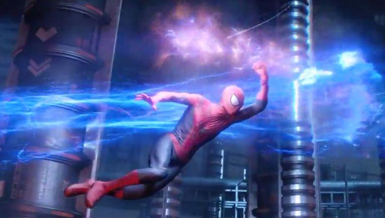 Amazing-Spider-Man-Spidey-Running-From-Electro.jpg