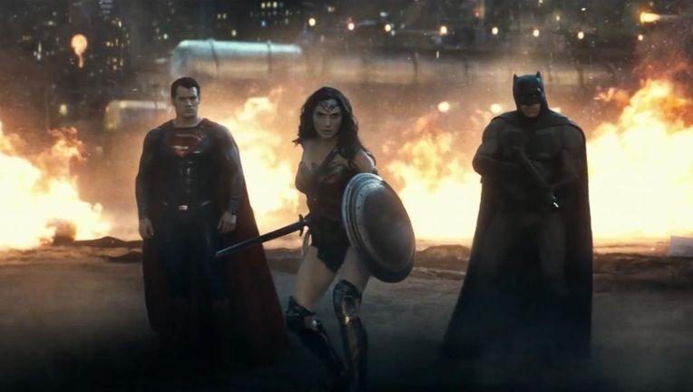 BatmanSupermanWonderWoman_0.jpg