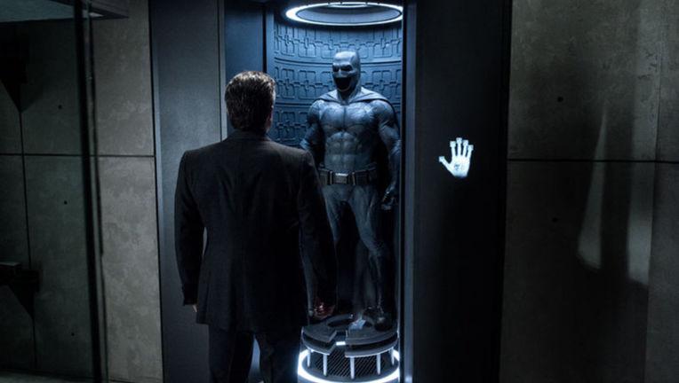 BatmanvSuperman1-5_0.jpg