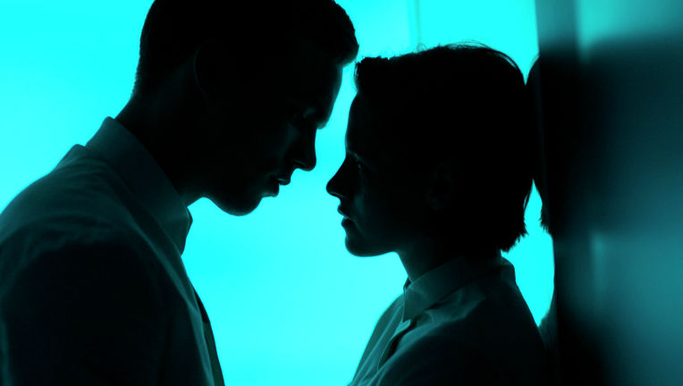 Equals-movie-Hoult-Stewart.jpg