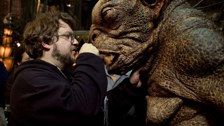 Guillermo-del-Toro-Hellboy-II-The-Golden-Army.jpg