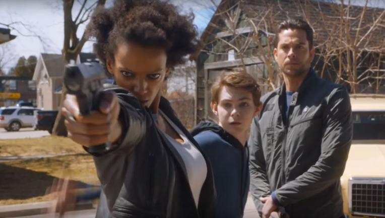 Zachary Levi threatens in Heroes Reborn
