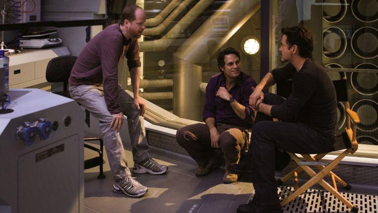 Joss-Whedon-Mark-Ruffalo-and-Robert-Downey-Jr-on-the-set-of-The-Avengers-2012-Movie-Image.jpg