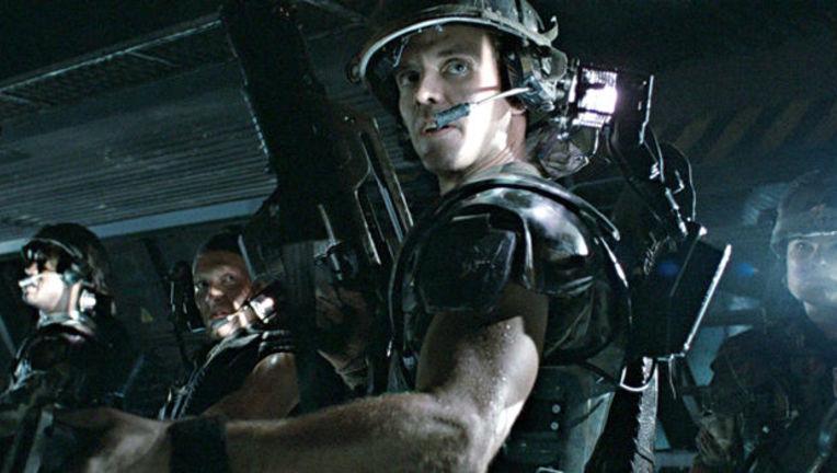 Michael-Biehn-as-Hicks-in-Aliens.jpg