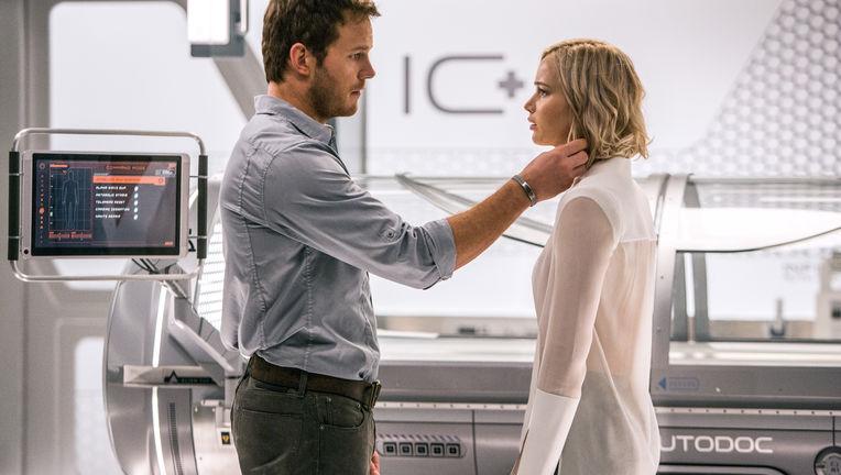 Passengers-Jennifer-Lawrence-Chris-Pratt.jpg