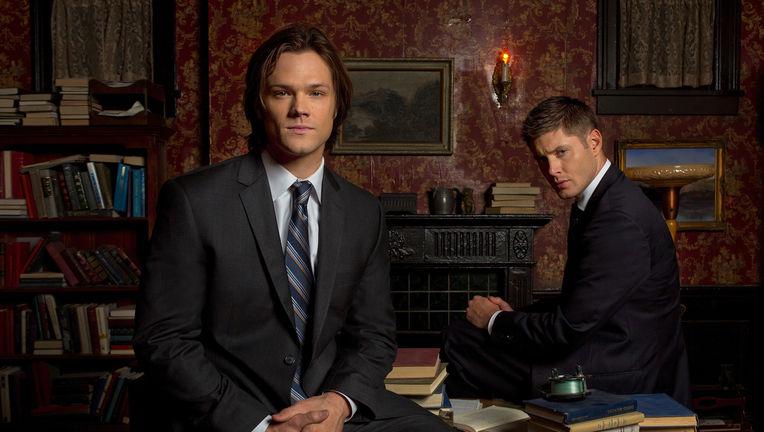 Sam-Dean-Supernatural-suits.jpg