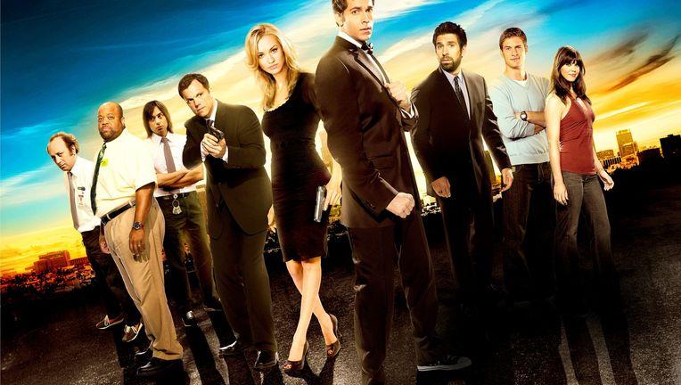 Season-5-Cast-Promotional-Poster-HQ-chuck-25049238-2560-1669.jpg