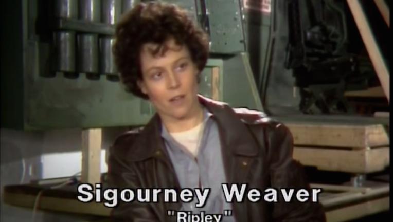 SigourneyWeaver1986.png