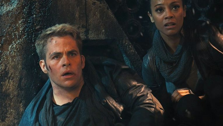 Star-Trek-into-Darkness-Chris-Pine-and-Zoe-Saldana.jpg