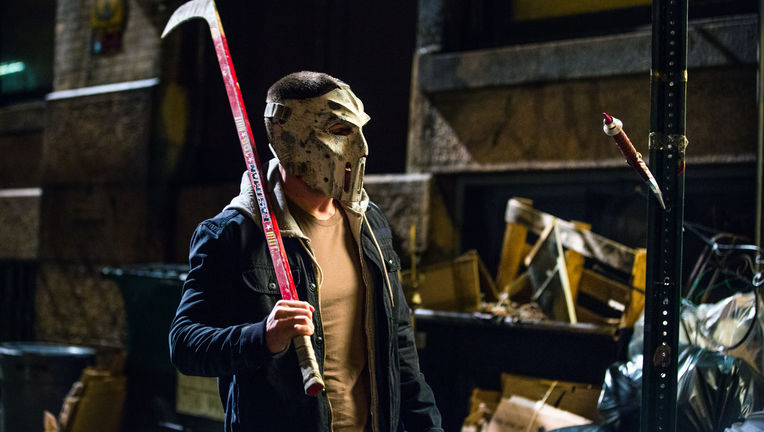 Stephen-Amell-as-Casey-Jones-in-TMNT2_0.jpg