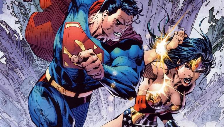 Superman_WonderWoman_fight.jpg