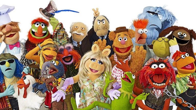 TheMuppetsGroupshot2011.jpg