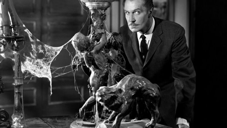 Vincent_Price_in_House_on_Haunted_Hill.jpg