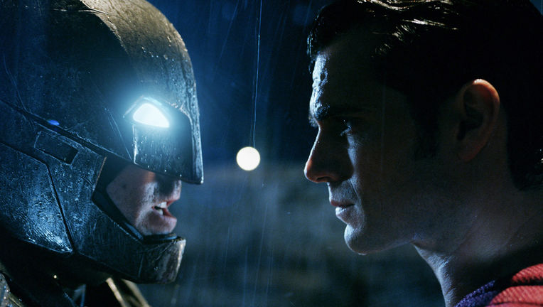 bats_supes_face-to-face.jpg