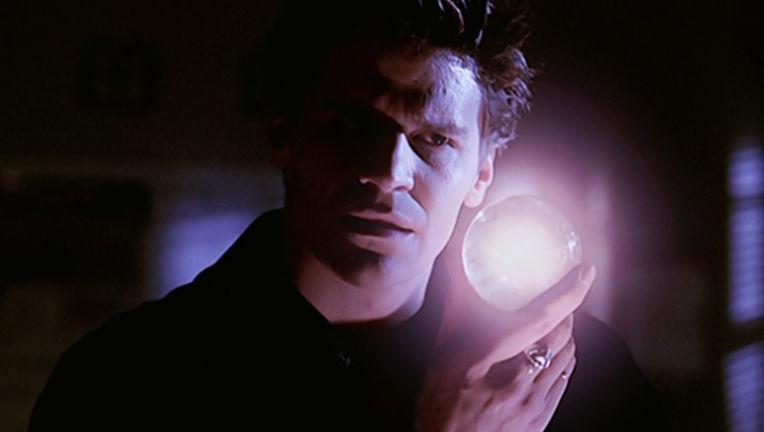 buffy-the-vampire-slayer-season-2-17-passion-angel-orb-of-thesulah-david-boreanaz-review-episode-guide-list.jpg