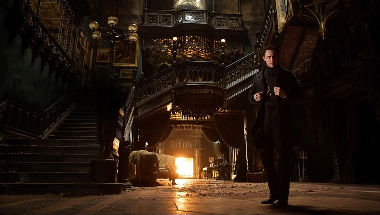 crimson-peak-tom-hiddleston-3-1500x844.jpg