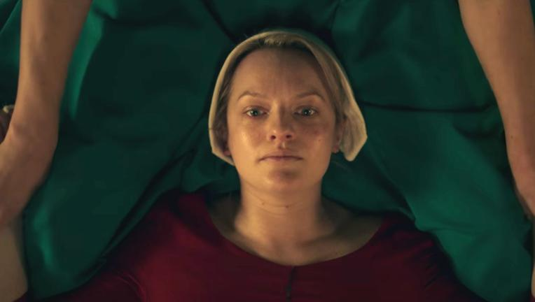 elizabeth-moss-as-offred-in-the-handmaids-tale.png