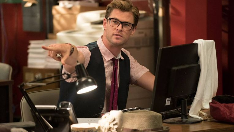 ghostbusters-chris-hemsworth.0.jpg