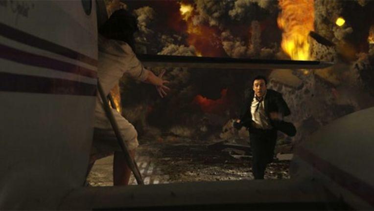 2012-movie-still-9.jpg