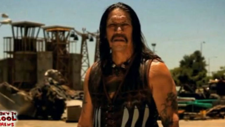 Machete_Trailer_cinco_de_mayo.jpg