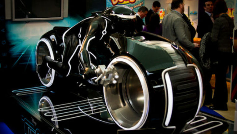 Tron_Legacy_lightcycle_toyfair.jpg