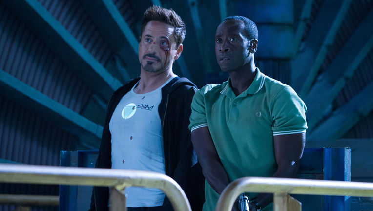 iron-man-3-robert-downey-don-cheadle.jpg