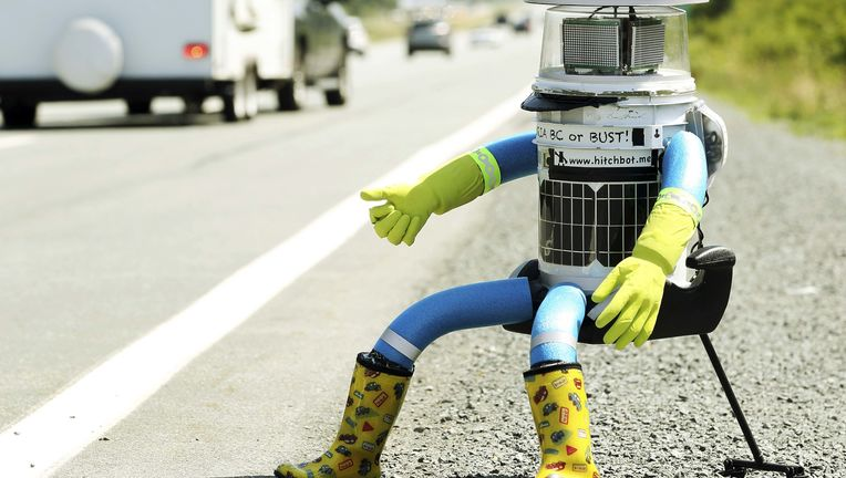 Road-Trip-–-The-HitchBOT-is-Doing-it9.jpg