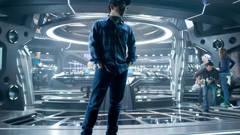 star-trek-into-darkness-jj-abrams-set-photo-1.jpg