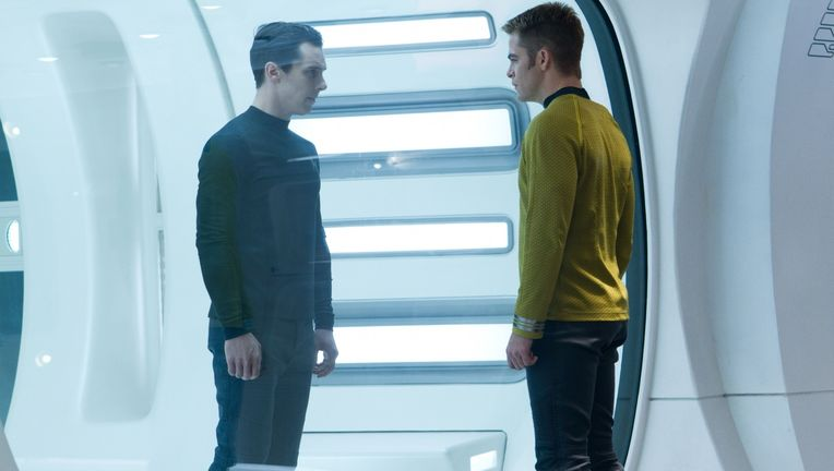 star-trek-into-darkness05.jpg