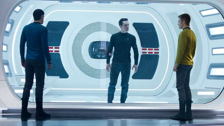star-trek-into-darkness_123.jpg