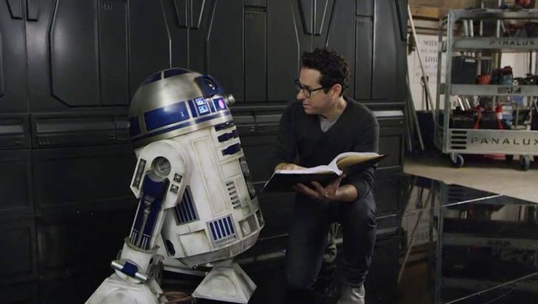 star-wars-force-awakens-jj-abrams-injury.jpg