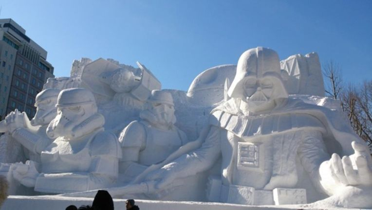 star-wars-snow-scupture.jpg