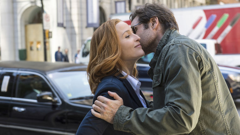 x-files-2016-yet-another-real-photo-from-this-goddamn-show.jpg