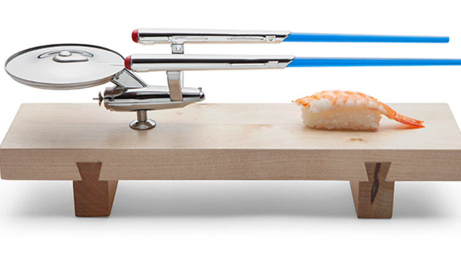 f375_uss_enterprise_sushi_set.jpg