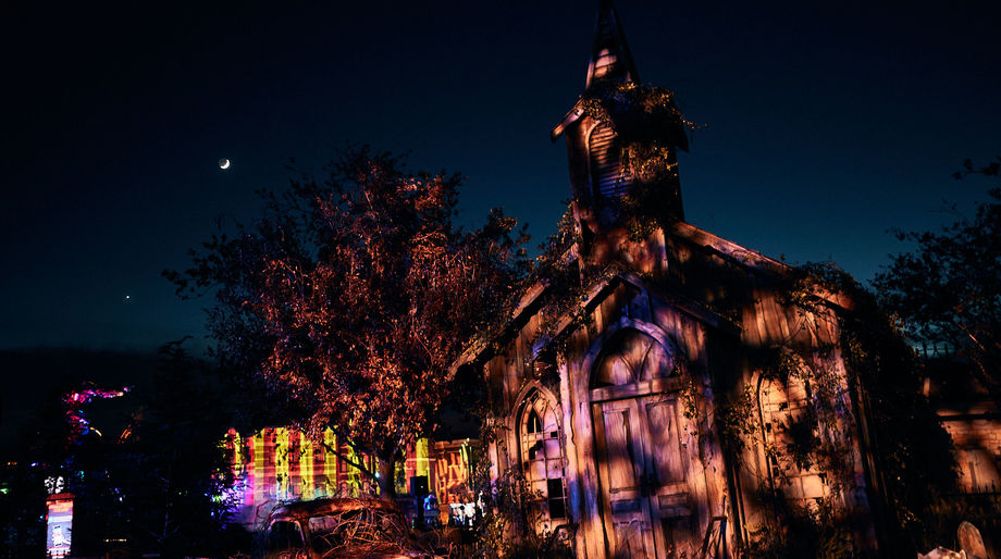 Twisted Tradition Scare Zone