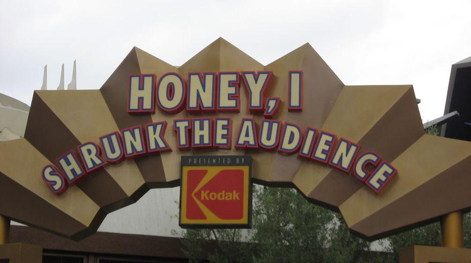 Disneyland-HoneyShrunkAud-sign