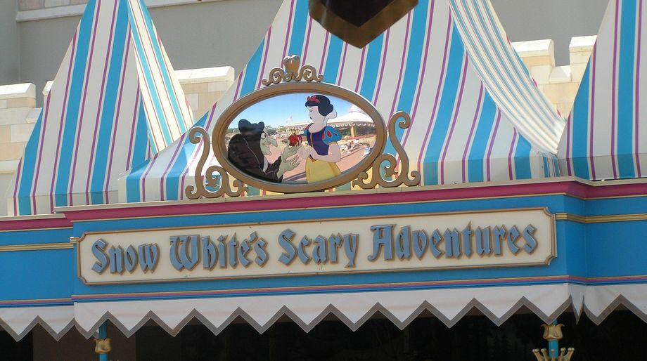 mk-snow-whites-scary-adventures