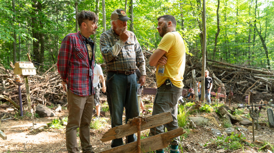Kevin Kölsch, Dennis Widmyer, and John Lithgow on the set of Pet Sematary (2019)