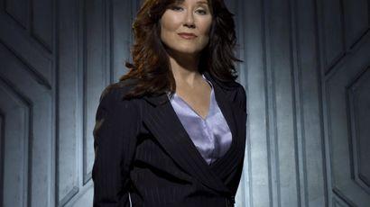 mary-mcdonnell-president-laura-roslin-battlestar-galactica.jpg