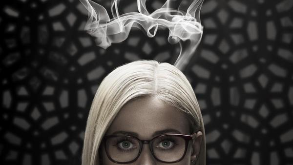 Alice_SmokeCrown.jpg
