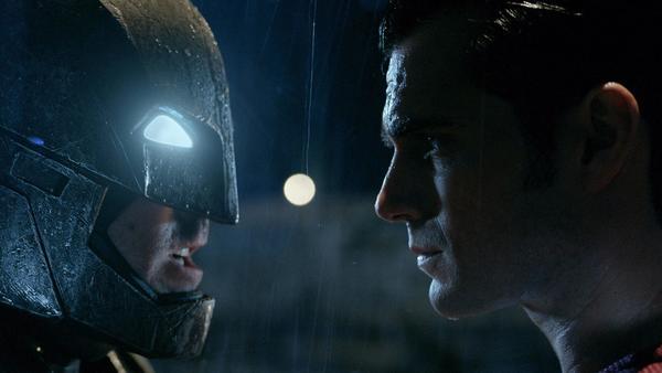 BatmanvSuperman_blog_easter_eggs_01.jpg