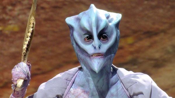 FaceOff_blog_looks_laura_alien_01.jpg