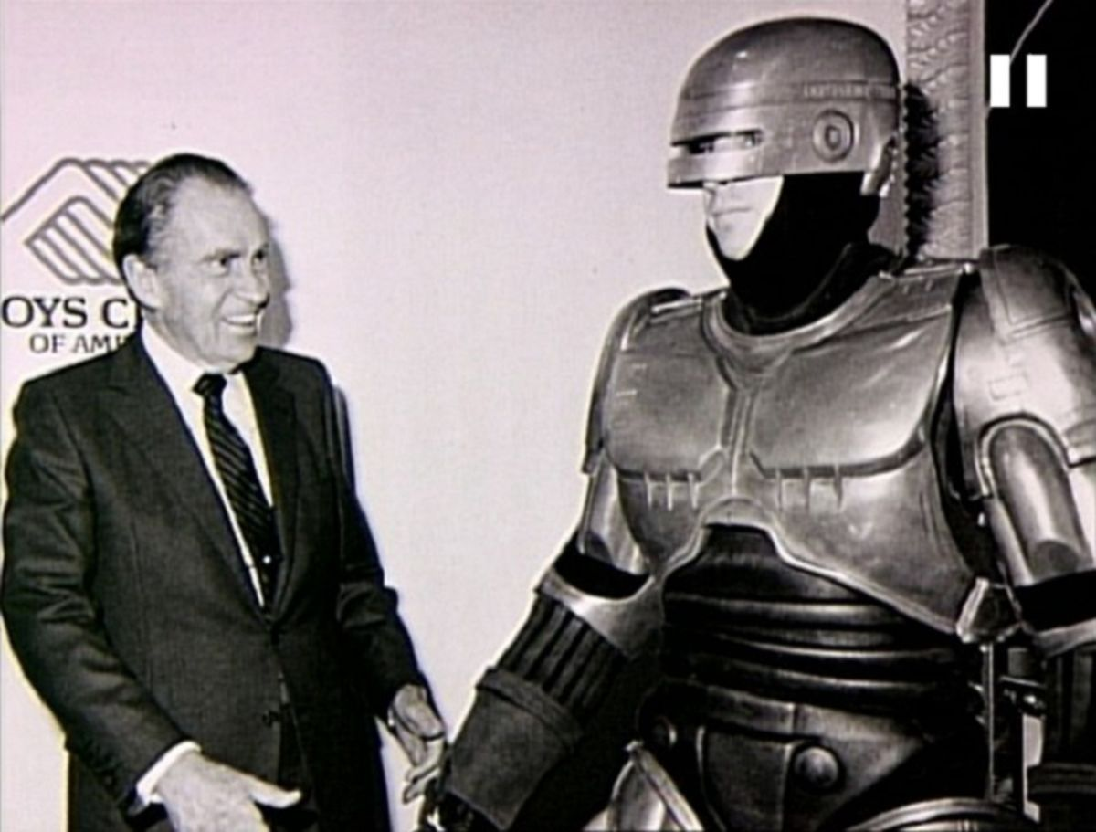 robocop_off_duty_meets_nixon.jpg