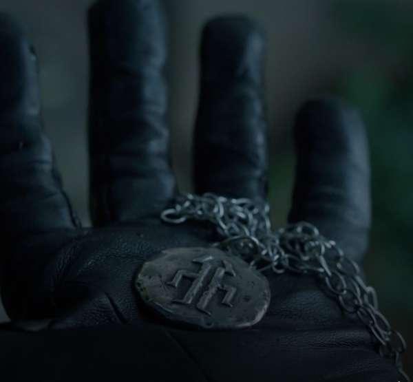 Titan Medallion & Chain from 12 Monkeys