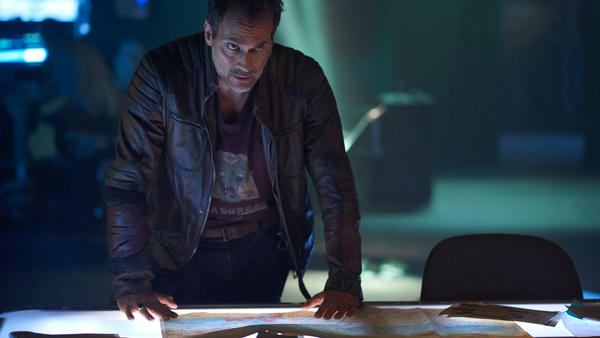 12Monkeys_gallery_S2SneakPeek_04.jpg