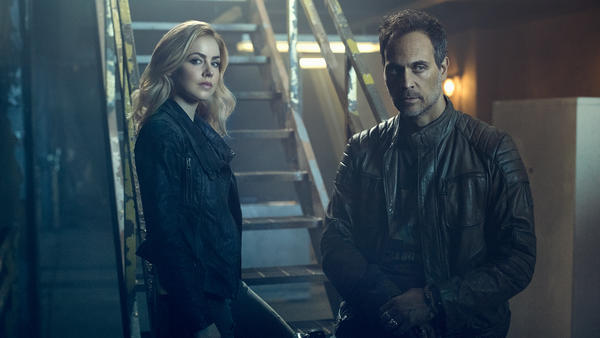 12Monkeys_Castgallery_Season2_05.jpg