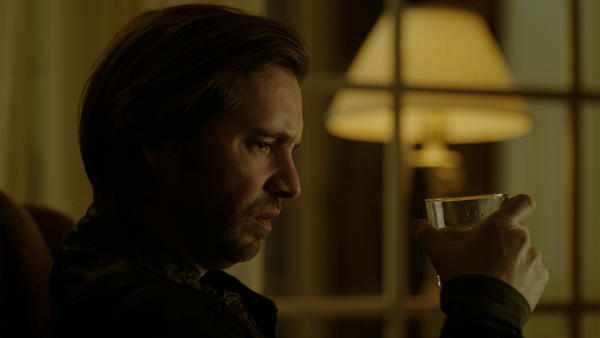 12Monkeys_gallery_304Recap_02_0.jpg