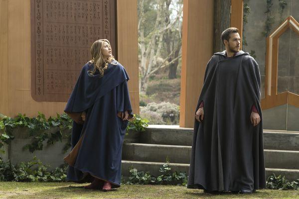 Supergirl Season 3 Finale Group Shot Close Up